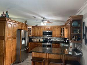 Kitchen cabinets Used for Sale in Miami, FL