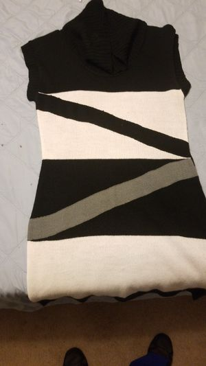 Turtle neck dress for Sale in Fort Leonard Wood, MO