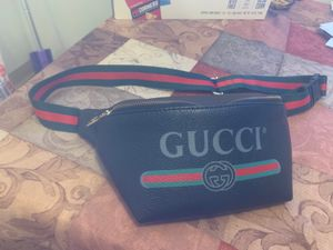Gucci fanny pack for Sale in Tacoma, WA