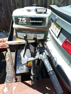 Gamefisher outboard 7.5 motor for Sale in Wrightstown, NJ