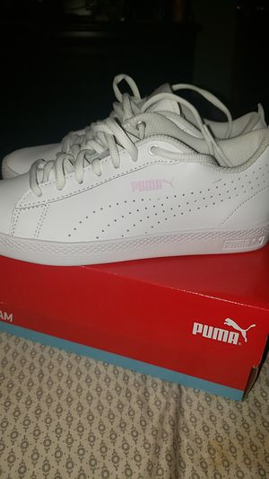 Puma leather perf sneaker for Sale in Princeton, NJ