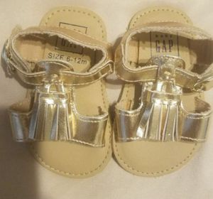 NEW Baby girls shoes Gold 6-12 months (Gap). Bonanza & Nellis. for Sale in Las Vegas, NV
