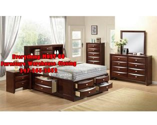 Cherry Bedroom set with drawers for Sale in Queens,  NY