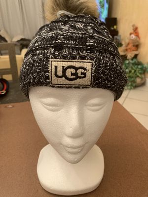 🎄 Ugg hat brand new never worn. One size fits all. Great holiday gift 🎁 for Sale in Deerfield Beach, FL
