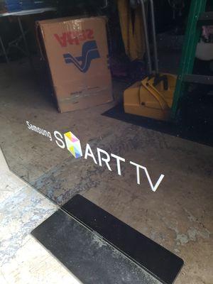 Samsung 3d Smart TV w/ Samsung 3d surround sound for Sale in Belleair, FL
