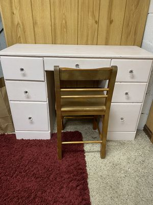 Wooden Desk and Chair (Open to Offers) for Sale in Quincy, MA
