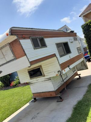 Freeway truck camper trailer for Sale in Long Beach, CA