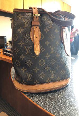Louis Vuitton bucket bag for Sale in Atlanta, GA