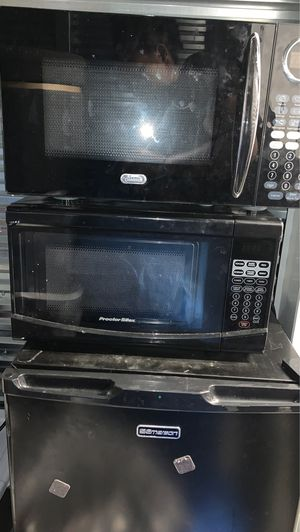 Mini Fridge and 2 Microwaves for Sale in St. Louis, MO