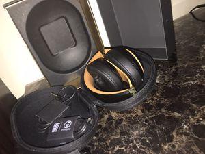 Beats Studio3 Wireless Over-Ear Headphones – The Beats Skyline Collection - Midnight Black for Sale in Dearborn, MI