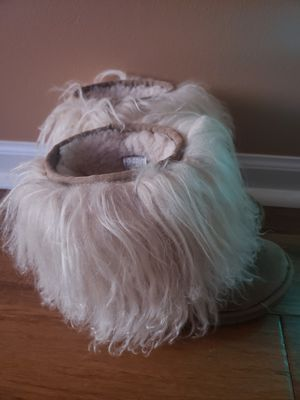 UGG BOOTS GIRL for Sale in Round Lake Heights, IL