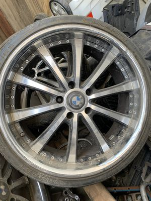 20 inch bmw rims chrome and black for Sale in Fresno, CA