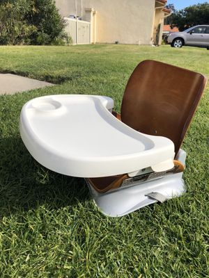 Summer infant booster seat - bent wood for Sale in Carlsbad, CA