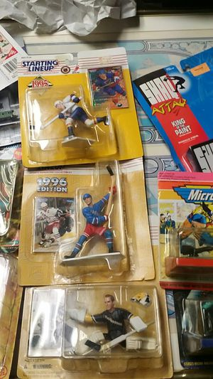 Sports action figures including starting lineup track and hockey and Headliners and a Shaq, 3 Matchbox vehicles with one miniature diecast train and for Sale, used for sale  Thomasville, NC
