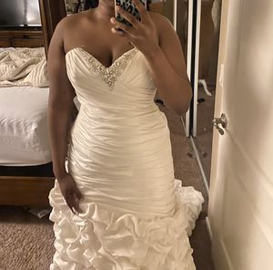 Wedding dress for sale for Sale in DEVORE HGHTS, CA