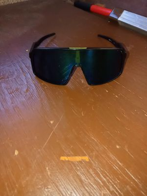 Oversized oakley green tinted sunglasses for Sale in Madera, CA