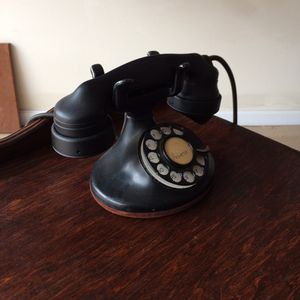 Antique telephone table/chair/phone 30s-40s for Sale in Kernersville, NC