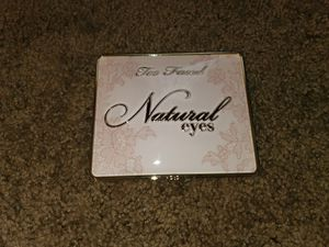 Too faced pallet for Sale in Burlington, NJ