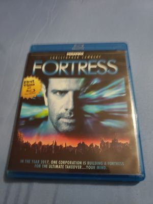 Fortress (Blu-ray Disc, 2013) Stuart Gordon Christopher Lambert Blu-ray is tested and in excellent condition. for Sale in Oak Lawn, IL