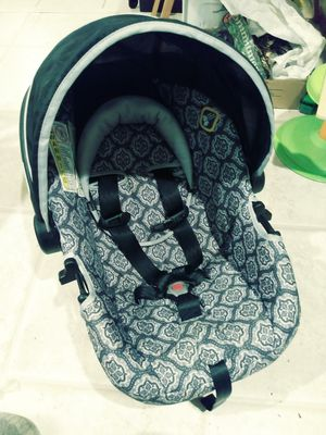 Safety First Infant Car Seat for Sale in Lynnwood, WA