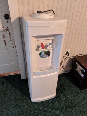 Hot and cold water heater for Sale in PA, US