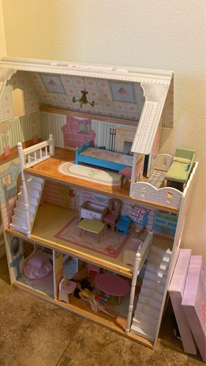 Wooden doll house for Sale in Las Vegas, NV