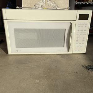 GE Microwave for Sale in San Marcos, CA