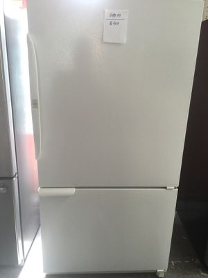 """Amana refrigerator 33""""W in excellent condition plus 3 months guarantee for Sale in Pompano Beach, FL"""