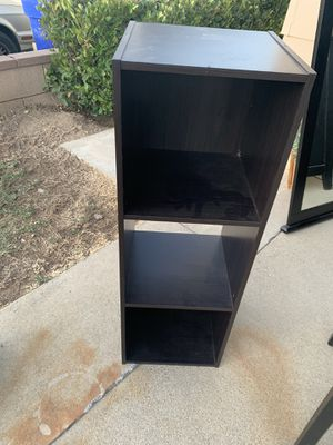 Small book shelf for Sale in Pomona, CA