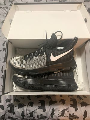 Nike KD9 Kevin Durant Oreo Men's 10 Basketball for Sale in Wenatchee, WA