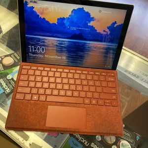 Surface Pro 7 i5 10thgen 128ssd 8gb Ram for Sale in Fort Lauderdale, FL