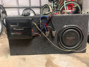 """Pioneer 10"""" sub in sealed box with 800 watt amp for Sale in Sunrise, FL"""