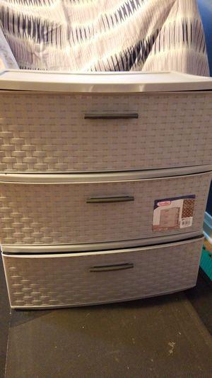 Sterilite 3 drawer plastic storage for Sale in Chicago, IL