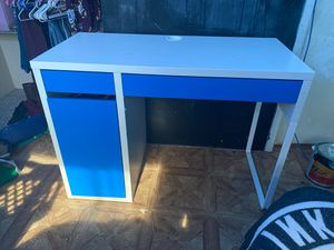 IKEA desk for Sale in Maryland Heights, MO