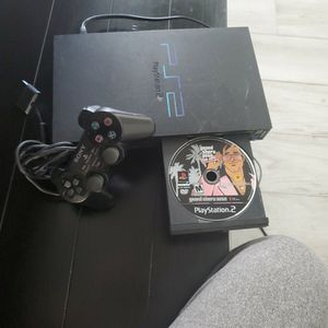 PLAYSTATION 2 FIRST JAPAN EDITION W/CONTROLLER AND GAME for Sale in Miami, FL