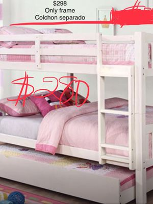 Aqui te ahorras mas del 50% QUE EN TIENDA..... TRIPLE BUNK BED. NUEVA EN CAJA for Sale in Visalia, CA
