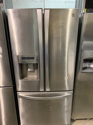 Refrigerator 33 inches Kenmore for Sale in The Bronx, NY
