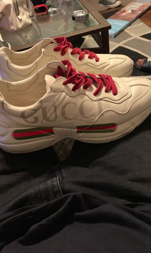 100% Authentic Gucci Tennis Size 11 for Sale in Long Beach, CA
