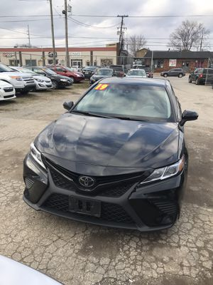 Toyota Camry 2019 for Sale in Louisville, KY