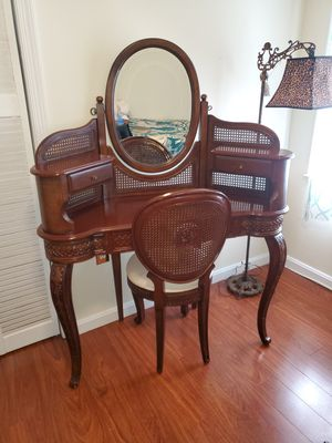 Old dressing table for Sale in Fort Washington, MD