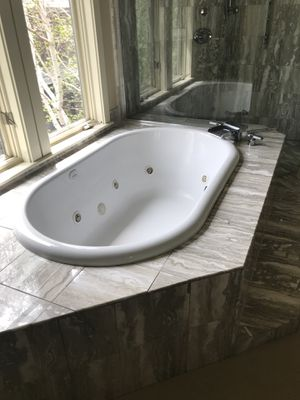 Large jetted bathtub for Sale in Park City, UT