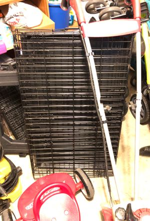 Dog crate with divider - Medium for Sale in Bridgeville, PA