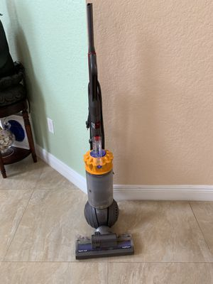 Dyson ball vacuum- used for Sale in Pembroke Pines, FL