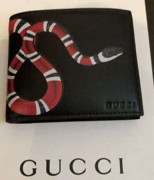 Gucci wallet for men brand new for Sale in Dallas, TX