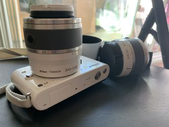 Nikon 1j1 mirror less camera for Sale in San Jose,  CA