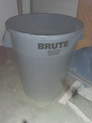 Brute trash can for Sale in Bartow, FL