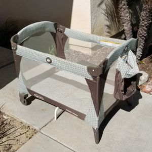 Pack N Play with Napper and Changing Table for Sale in Villa Park, CA