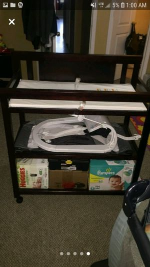 Diaper changer table for Sale in Chicago, IL