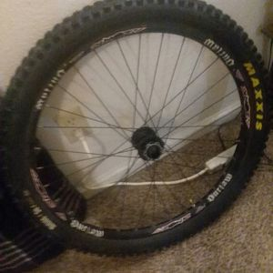 "26"" azonic outlaw dh wheel, 20mm axle for Sale in Delta, CO"