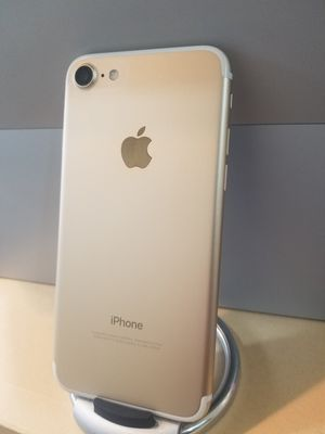 iPhone 7 256gb Gold Unlocked for any carrier  Liberado para cualquier compania for Sale in Huntington Park, CA